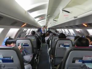 機内に搭乗して、ベテラン機長からご挨拶。気分は雲の上?